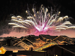 Spectacular fireworks at New Year in Val d'Isere