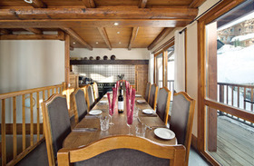 Chalet Lucaval dinning room