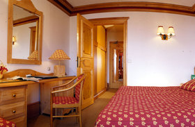 Chalet Hotel Alba | Meribel | France | Bedroom |