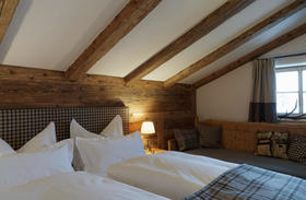 Hotel Himmlhof St Anton Twin Bedroon