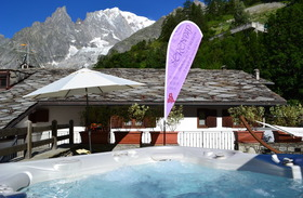Hotel Pilier d'Angle - Outdoor Jacuzzi